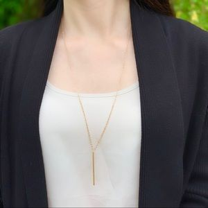 Jewelry - Gold long bar necklace